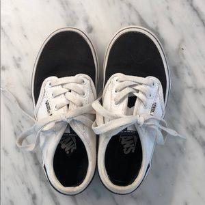 Black and White Vans size 11
